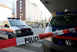 25.03.2011, Graz, AUT, Feature, im Bild Polizei sperrt die Strasse ab, EXPA Pictures © 2012, PhotoCredit: EXPA/ Erwin Scheriau