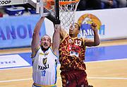 DESCRIZIONE : Beko Legabasket Serie A 2015- 2016 Vanoli Cremona - Umana Reyer Venezia<br /> GIOCATORE : Marco Cusin<br /> CATEGORIA : schiacciata<br /> SQUADRA : Vanoli Cremona<br /> EVENTO : Beko Legabasket Serie A 2015-2016<br /> GARA : Vanoli Cremona - Umana Reyer Venezia<br /> DATA : 07/02/2016<br /> SPORT : Pallacanestro <br /> AUTORE : Agenzia Ciamillo-Castoria/A.Scaroni