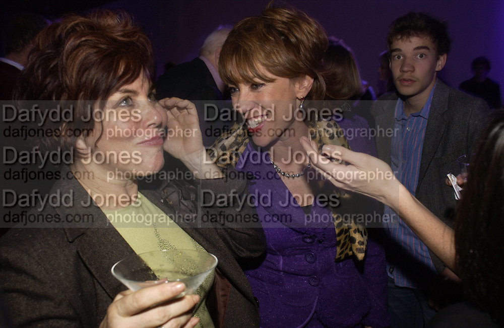 Ruby Wax and Kathy Lette. The Almeida Theatre Charity Christmas Gala, to raise funds for the theatre, at the Victoria Miro Gallery, London.  1 December  2005. ONE TIME USE ONLY - DO NOT ARCHIVE  © Copyright Photograph by Dafydd Jones 66 Stockwell Park Rd. London SW9 0DA Tel 020 7733 0108 www.dafjones.com