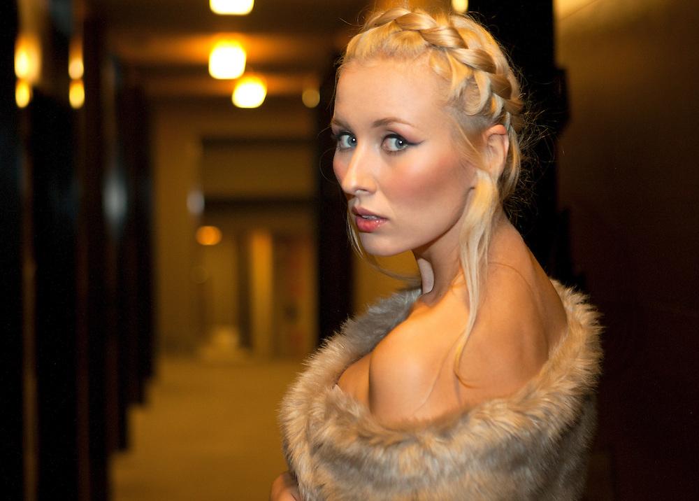 Photography: MIGUEL PEREIRA.Model: BARBARA SOKOL.Styling: INÉS LACASA.Make-up: LAURA PÉREZ.
