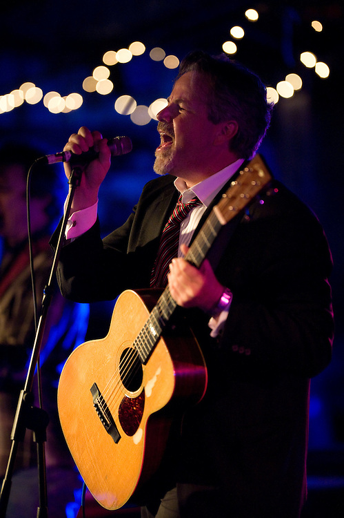 Robert Earl Keen. Robert Earl Keen and the Robert Earl Keen Band live in concert at John T. Floore's Country Store in Helotes, Texas on Saturday, December 20 2008. Photograph © 2008 Darren Carroll