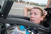 Aniek Rooderkerken na afloop van de testrondes. In Lelystad test het HPT voor de laatste keer de nieuwe fiets op de RDW baan. In september wil het Human Power Team Delft en Amsterdam, dat bestaat uit studenten van de TU Delft en de VU Amsterdam, tijdens de World Human Powered Speed Challenge in Nevada een poging doen het wereldrecord snelfietsen voor vrouwen te verbreken met de VeloX 7, een gestroomlijnde ligfiets. Het record is met 121,44 km/h sinds 2009 in handen van de Francaise Barbara Buatois. De Canadees Todd Reichert is de snelste man met 144,17 km/h sinds 2016.<br /> <br /> In Lelystad the team tests the new bike for the last time before the record attempts. With the VeloX 7, a special recumbent bike, the Human Power Team Delft and Amsterdam, consisting of students of the TU Delft and the VU Amsterdam, also wants to set a new woman's world record cycling in September at the World Human Powered Speed Challenge in Nevada. The current speed record is 121,44 km/h, set in 2009 by Barbara Buatois. The fastest man is Todd Reichert with 144,17 km/h.