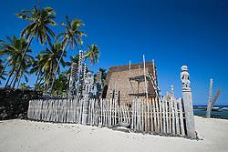 Hale o Keawe Heiau, reconstructed old Hawaiian temple mausoleum, Pu`uhonua o Honaunau or Place of Refuge National Historical Park, Honaunau, Big Island, Hawaii
