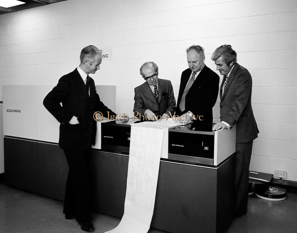 A Singer System 10 computer is installed in the Faculty of Commerce in University College Dublin, (U.C.D.). The computer would be used by graduate and post graduate students at the university. Pictured at the official handover were, (l-r): Professor M.J. McCormac, Dean, Faculty of Commerce, Professor Denis McConalogue, Professor of Computer Science; Dr Thomas Murphy, President, U.C.D. and Mr Michael McMahon, Regional Director for Ireland, Singer Business machines.<br />