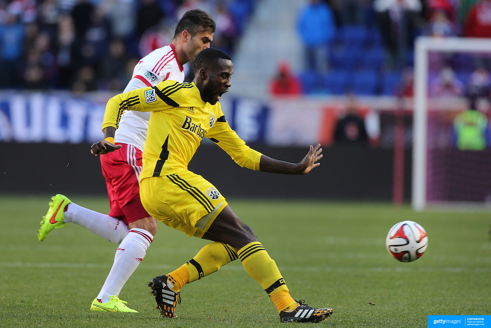 Tony Tchani, Columbus Crew, in action during the New York Red Bulls Vs Columbus Crew, Major League Soccer regular season match at Red Bull Arena, Harrison, New Jersey. USA. 19th October 2014. Photo Tim Clayton