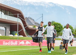 02.05.2018, Trainingsgelände, Salzburg, AUT, UEFA EL, FC Salzburg vs Olympique Marseille, Halbfinale, Rueckspiel, Training, im Bild Jerome Onguene (FC Salzburg) // during a Trainingssession before the UEFA Europa League Semifinal, 2nd Leg Match between FC Salzburg and Olympique Marseille at the Trainingsground in Salzburg, Austria on 2018/05/02. EXPA Pictures © 2018, PhotoCredit: EXPA/ JFK