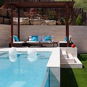 Modern Pool 1106