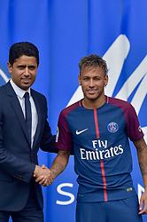 August 4, 2017 - Paris, France - Nasser Al-Khelaifi et Neymar - Conférence de presse de Neymar pour son arrivée au PSG. Paris, France, 04.08.2017. # CONFERENCE DE PRESSE DE NEYMAR POUR SON ARRIVEE AU PSG (Credit Image: © Visual via ZUMA Press)