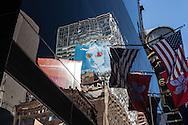New York - mirror game on a mirror tower . The Renaissance hotel  - United states  Manhattan  / reflets sur les immeubles de, Times square    New york - Etats unis
