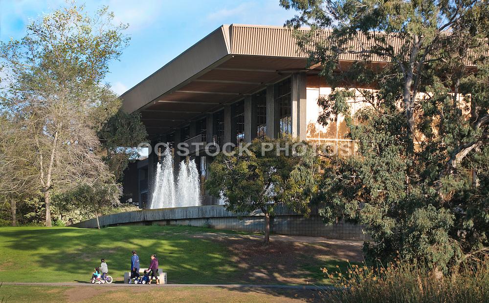 Central Park Huntington Beach Library and Cultural Center