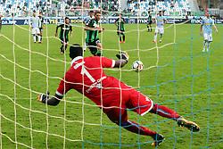 """Foto LaPresse/Filippo Rubin<br /> 22/10/2017 Ferrara (Italia)<br /> Sport Calcio<br /> Spal - Sassuolo - Campionato di calcio Serie A 2017/2018 - Stadio """"Paolo Mazza""""<br /> Nella foto: ALFRED GOMIS PARA IL RIGORE A DOMENICO BERARDI<br /> <br /> Photo LaPresse/Filippo Rubin<br /> October 22, 2017 Ferrara (Italy)<br /> Sport Soccer<br /> Spal vs Sassuolo - Italian Football Championship League A 2017/2018 - """"Paolo Mazza"""" Stadium <br /> In the pic: ALFRED GOMIS VS DOMENICO BERARDI"""