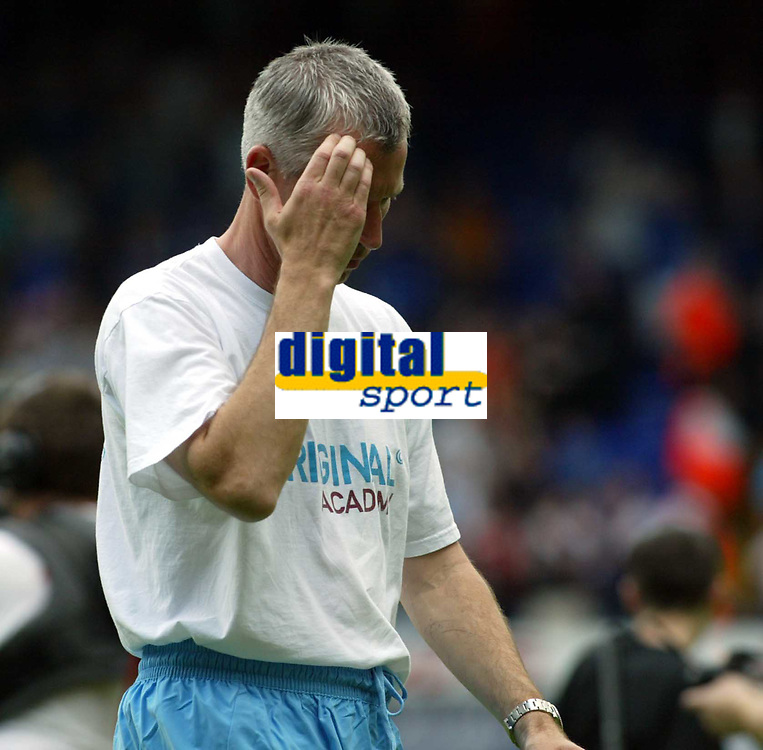 Photo. Chris Ratcliffe, Digitalsport<br /> NORWAY ONLY<br /> <br /> Ipswich Town v West Ham United. Division One Play-off Semi-final. 15/05/2004<br /> Alan Pardew is going to have to do some thinking before the next leg