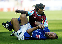 Fotball<br /> England 2004/2005<br /> Foto: SBI/Digitalsport<br /> NORWAY ONLY<br /> <br /> COCA-COLA CHAMPIONSHIP<br /> LEICESTER CITY V WEST HAM UTD <br /> <br /> RUSUS BREVETT FAULS JAMES SCOWCROFT AND IS SENT OFF FOR TWO YELLOW CARD'S