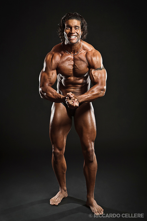 Portrait photography. Curt Griffin, Bodybuilder, one week after the 2009 FAME East Bodybuilding and Fitness Championships in Montreal. 2009.