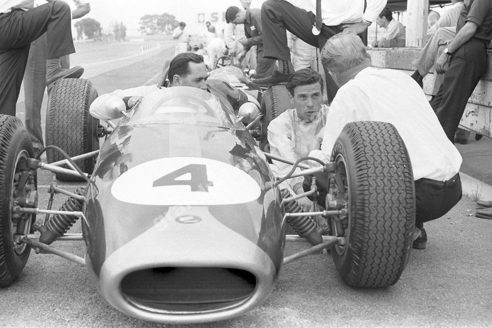 Jack Brabham (Brabham-Repco) and Jim Clark (Lotus-Climax) before the 1967 Tasman race at Sandown Park. Photo: Nigel Snowdon/Grand Prix Photo