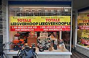 Nederland, Nijmegen, 17-12-2011Een winkel in de binnenstad houdt opheffingsuitverkoop.Foto: Flip Franssen/Hollandse Hoogte