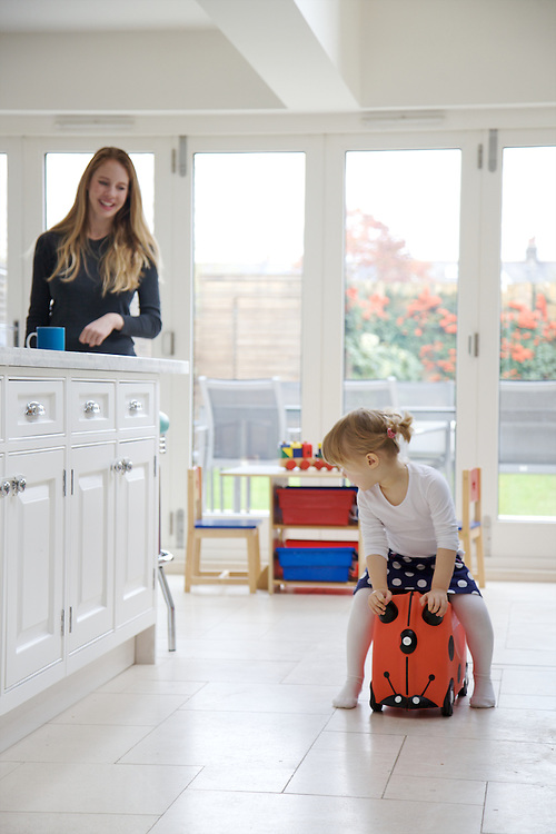 Lana Wrightman and Edie, 2 and 1/2 at home on 31 Groombridge Road, Hackney, London CREDIT: Vanessa Berberian for The Wall Street Journal<br /> HACKNEY-Lana Wrightman