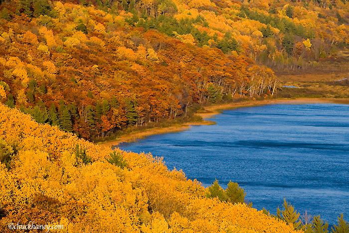 Lake of the Clouds in autumn at Porcupine Mountains State Park in UP Michigan