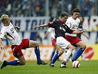v.l. Sergej BARBAREZ HSV, Ervin SKELA, Tomas UJFALUSI <br /> Bundesliga HSV - Eintracht Frankfurt 2:1