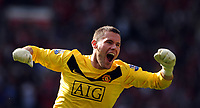 Fotball<br /> Foto: Fotosport/Digitalsport<br /> NORWAY ONLY<br /> <br /> Ben Foster Celebrates after Michael Owen's 4th Goal<br /> Manchester United 2009/10<br /> Manchester United V Manchester City (4-3) 20/09/09<br /> The Premier League