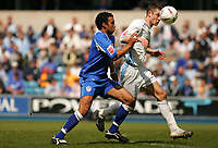 Fotball<br /> England 2004/2005<br /> Foto: SBI/Digitalsport<br /> NORWAY ONLY<br /> <br /> Millwall V Burnley<br /> Coca-Cola Championship<br /> The Den.<br /> 08/05/2005<br /> <br /> Millwall's Paul Ifill and Burnley's Gary Cahill run with the ball towards goal.