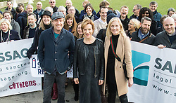 London, March 7th 2017. Public figures including Juliet Stevenson, Toby Jones, Rhys Ifans, Joely RIchardson and Vanessa Redgrave, faith leaders from the Jewish and Christian communities, MPs and Lord Dubs gather at Parliament to appeal to MPs to re-consult with local authorities to save the 'Dubs Scheme', to accommodate vulnerable refugee children from Europe. PICTURED: PICTURED: Toby Jones, Rhys Ifans, Juliet Stevenson and Joely Richardson join campaigners in Parliament Square
