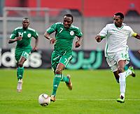 Fotball<br /> Nigeria v Saudi Arabia<br /> Wattens Østerrike<br /> 25.05.2010<br /> Foto: Gepa/Digitalsport<br /> NORWAY ONLY<br /> <br /> FIFA Weltmeisterschaft 2010 in Suedafrika, Vorberichte, Vorbereitung, Vorbereitungsspiel, Freundschaftsspiel, Laenderspiel, Nigeria vs Saudi-Arabien. <br /> <br /> Bild zeigt Chinedu Obasi (NGR) und Saud Ali Kariri (KSA).