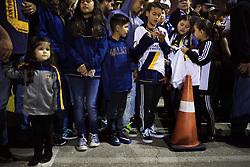 March 29, 2018 - Los Angeles, CA, USA - 180329 Fans vÅntar pÅ' att Zlatan Ibrahimovic, ny spelare i MLS-laget LA Galaxy, ska anlÅnda till Los Angeles International Airport (LAX) den 29 mars 2018 i Los Angeles  (Credit Image: © Joel Marklund/Bildbyran via ZUMA Press)