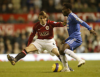 Photo: Aidan Ellis.<br /> Manchester United v Chelsea. The Barclays Premiership. 26/11/2006.<br /> United's Gabriel Heinze looks to block Chelsea's Michael essien's pass