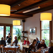 Diners at Relishes Cafe, Ardmore Street, Wanaka. New Zealand. 1st April 2011.  Photo Tim Clayton.
