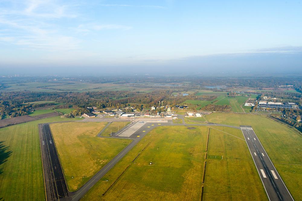 Nederland, Provincie, Plaats, 04-11-2018; <br /> <br /> QQQ<br /> luchtfoto (toeslag op standNederland, Groningen, Gemeente Tynaarlo, 04-11-2018; Groningen Airport Eelde, overzicht met runway 05-23 en stationsgebouw.<br /> Eelde airfield, runway and terminal building<br /> luchtfoto (toeslag op standaard tarieven);<br /> aerial photo (additional fee required);<br /> copyright© foto/photo Siebe Swartaard tarieven);<br /> aerial photo (additional fee required);<br /> copyright© foto/photo Siebe Swart