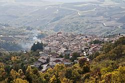 """Roseto Valfortore è un comune italiano di 1.336 abitanti della provincia di Foggia in Puglia. Il paese fa parte del club """"I borghi più belli d'Italia"""".<br /> Il clima di Roseto Valfortore è umido e freddo e non mancano mai le frequenti nevicate, qualche volta anche intense d'inverno considerando soprattutto che il paese si trova sotto il Monte Cornacchia, la cima più alta della Puglia. Invece le estati sono molto gradevoli e il clima in questa stagione è abbastanza mite."""