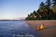 Pinney's Beach, Nevis Island, St. Kitts & Nevis ( Saint Christopher and Nevis ) Lesser Antilles ( Eastern Caribbean Sea ) MR 95