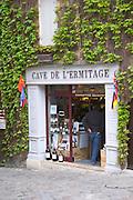 wine shop cave de l'ermitage place du marche saint emilion bordeaux france