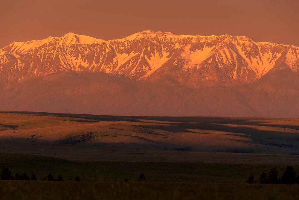 Sunrise, Zumwalt Prairie and the Wallowa Mountains, Northeast Oregon.