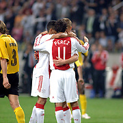 NLD/Amsterdam/20060928 - Voetbal, Uefa Cup voorronde 2006, Ajax - IK Start, Markus Rosenberg word gefeliciteerd met zijn 2e doelpunt door ploeggenoten