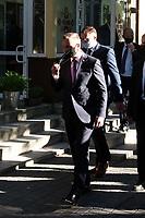 Bielsk Podlaski, 07.06.2021. N/z prezydent RP Andrzej Duda zdejmuje maseczke ochronna po spotkaniu z mniejszoscia bialoruska fot Michal Kosc / AGENCJA WSCHOD