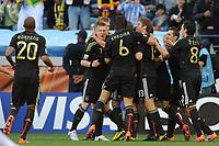 FOOTBALL - FIFA WORLD CUP 2010 - 1/4 FINAL - ARGENTINA v GERMANY - 3/07/2010 - JOY GERMANY AFTER THE THOMAS MUELLER GOAL<br /> PHOTO FRANCK FAUGERE / DPPI