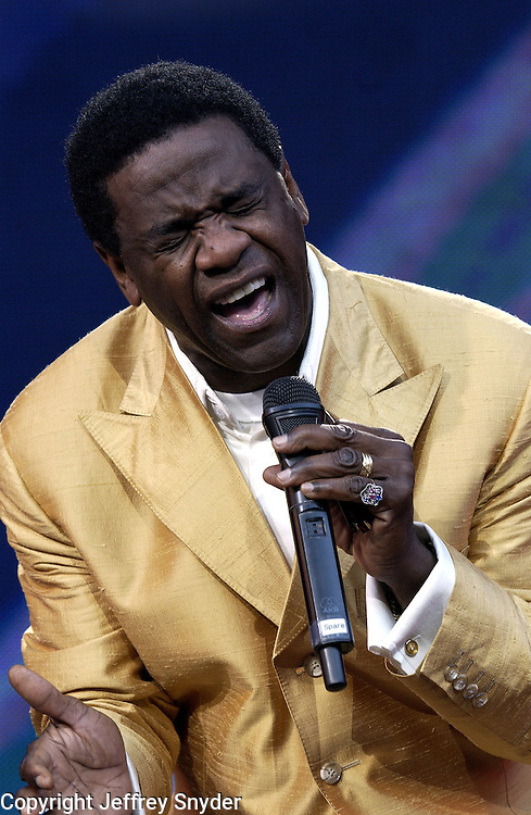 Al Green performs on United We Stand: What More Can I Give? Concert. A music benefit in support of the recovery efforts from the September 11 attack on America.  The proceeds will go to various Relief Funds. October 21, 2001 (Jeff Snyder)