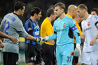 Goalkeeper Igor Akinfeev of CSKA Moscow shakes hands with Julio Cesar of Inter Milan<br /> <br /> UK ONLY
