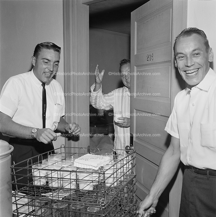 Y-620916-16-02. Oregon Restaurant Association first annual convention, Hotel Gearhart, Surfside Motel. September 16/17/18, 1962