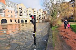 Flooding at lock gate 108 on the Kennet Avon Canal as it runs through Reading town, Berkshire. Jan 2014
