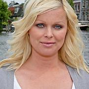 NLD/Oudekerk a/d Amstel/20080618 - Boekpresentatie Vivianne Ewbank, Bridget Maasland