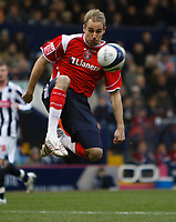 Photo: Steve Bond/Sportsbeat Images.<br /> West Bromwich Albion v Charlton Athletic. Coca Cola Championship. 15/12/2007. Luke Varney tries to chip the keeper