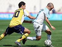 Fotball<br /> Olympiske leker i Aten<br /> Finale<br /> Argentina v Paraguay<br /> 28. august 2004<br /> Foto: Digitalsport<br /> NORWAY ONLY<br /> ANDRES D'ALESSANDRO (ARG) / DIEGO FIGUEREDO (PAR)