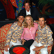 Tros winterpresentatie 2002 Amsterdam, Hans Kazan, zoon Oscar + renzo en assistent Mara