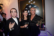 CHARLES ELIASCH; JUSTINE GLENTON; AMANDA ELIASCH, Party at the home of Amanda Eliasch in Chelsea after the opening of As I Like it. A memory by Amanda Eliasch and Lyall Watson. Chelsea Theatre. Worl's End. London. 4 July 2010<br /> <br />  , -DO NOT ARCHIVE-© Copyright Photograph by Dafydd Jones. 248 Clapham Rd. London SW9 0PZ. Tel 0207 820 0771. www.dafjones.com.