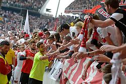 Football: Germany, 1. Bundesliga, VFB STUTTGART - HAMBURGER SV (HSV), Stuttgart - 16.05.2015,<br /> Sven Ulreich (Stuttgart) celebrates with fans<br /> <br /> © pixathlon<br /> <br /> +++ NED out !!! +++