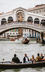 THEMENBILD - Rialto Brücke am Canal Grande, aufgenommen am 04. Oktober 2019 in Venedig, Italien // Rialto Bridge at the Canal Grande in Venice, Italy on 2019/10/04. EXPA Pictures © 2019, PhotoCredit: EXPA/ JFK