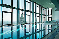 Spaavdelningen Riverview på hotell Intercontinental i Warszawa. Vy över kulturpalatset.